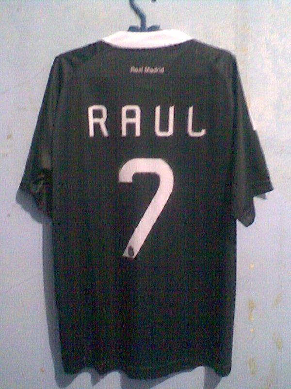 madrid-hitam-raul